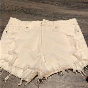 NWOT Eunina White Jean Shorts - M